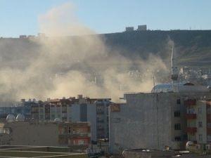 Cizrede Çatışmalar Tüm Mahallere Sıçradı, 2 Çocuk Evin Avlusunda Öldürüldü