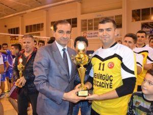 Yahya Kemal İöo Spor Kulübü, Yenilgisiz Birinci Oldu