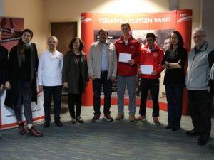 Türkiye Atletizm Vakfından Genç Atletlere Beslenme Desteği