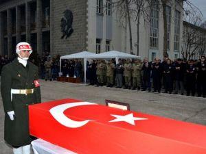 Diyarbakırda Şehit Uzman Çavuş Şahin İçin Tören Düzenlendi