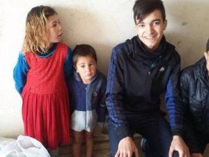 Liseliler Harçlıklarıyla Suriyeli Ailelere Gıda Yardımı Yaptı