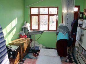 Vanda Polis Aracına Saldırı Yapıldı, Onlarca Ev Hasar Gördü