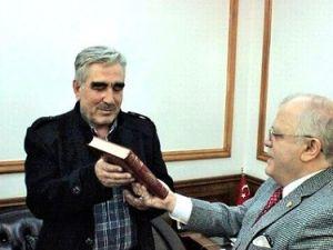 Türkmen Komutan: Rusya Bölgede Silahlarını Deniyor