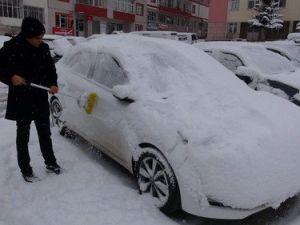 Yozgatta Kar Yağışı Kenti Beyaza Bürüdü
