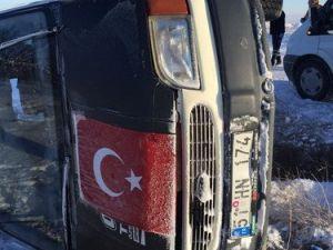Nevşehirde Minibüs Devrildi: 4 Yaralı