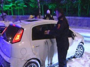 Otomobilinde Sızan Sürücü, Ekipleri Çileden Çıkardı (Özel)
