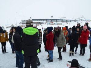 Sarız Belediyesinden Öğrencilere Erciyes Gezisi
