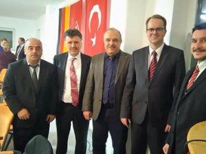 70 Alman Milletvekili Hataylı İmamı Camide Ziyaret Etti