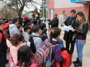 Bahçesine Mermi Düşen Okulda Buruk Tören