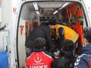 Yolcu Midibüsü Tır A Çarptı: 2si Çocuk, 11 Yaralı