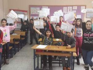 Nigdede 72 Bin Öğrenci Karne Heyecanı Yaşadı