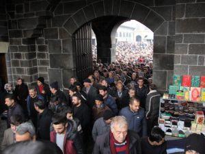 Surda Camii Cemaatine Bomba Uyarısı