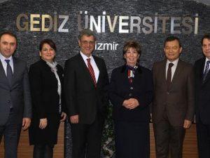 Gediz Üniversitesi Mütevelli Heyeti Değişti