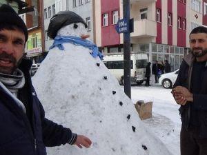 Karsın Uzun Ömürlü Kardan Adamları !