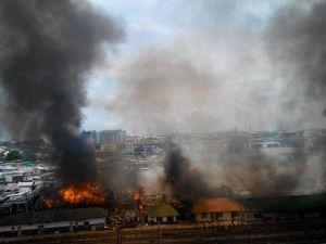 Endonezyanın Başkenti Cakartada Yangın