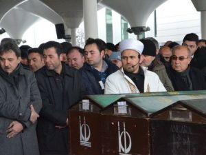 Ankarada Aile Katliamında Ölen 4 Kişi Toprağa Verildi