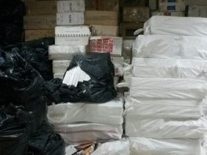İzmirde Yaklaşık 400 Bin Paket Kaçak Sigara Ele Geçirildi