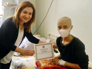 Onkoloji Hastanesinde Karne Heyecanı