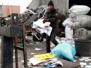 Kağıt Toplayıcılar Endişeli: Aç Kalırız