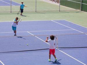 Selçuklu Belediyesinin Kapalı ve Açık 6 Tenis Kortu Hizmete Girdi