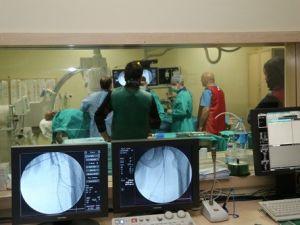 Böbrek Hastasının Bacağı Ameliyatsız Yöntemle Kurtarıldı