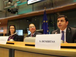 Demirtaş: Işid Cenevreye Davet Edilseydi Davutoğlu Bağırıp Çağırmayacaktı