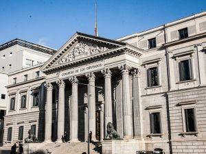 İspanya Meclisinde Koltuk Kavgası