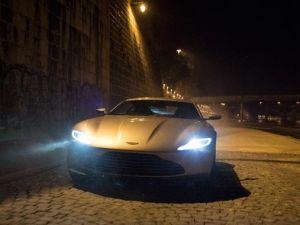 James Bondun Aston Martini Açık Artırmada