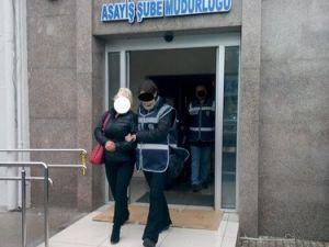 İzmirde Gece Kulüplerine Operasyon Düzenlendi