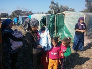 Yaklaşık 2 Bin Suriyeli Naylon Çadırlarda İkamet Ediyor