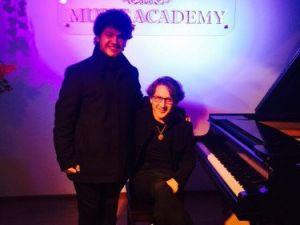 Piyanonun Dahi Çocuğu Gürcistandan Derece ile Döndü