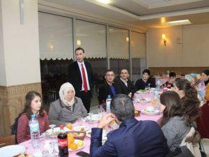 Başkan, Teogda Dereceye Giren Öğrenciler Bir Araya Geldi