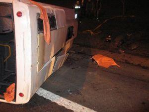 TEMde Emniyet Şeridi Faciası: 1 Ölü 17 Yaralı