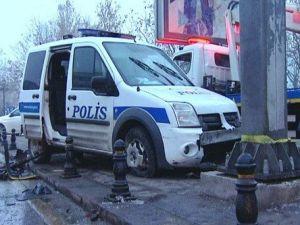 Ankarada Polis Aracı Kaza Yaptı