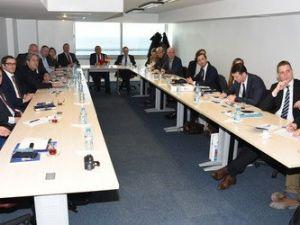 Almanlar, İzmirde Rüzgar Enerjisi Potansiyeli Hakkında Bilgi Aldı