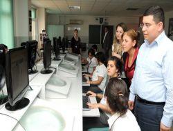 Tütüncü, İsmet İnönü Kız ve Teknik Meslek Lisesi'ni Ziyaret Etti - Antalya