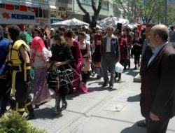 Anadolu Üniversitesi Öğrencilerinden Bahar Yürüyüşü