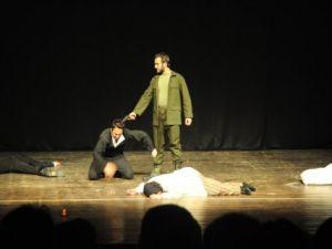 Aydın Belediyesi Tiyatro Günleri Devam Ediyor