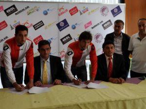 Sandıklı Belediyespor 13 Futbolcu İle Sözleşme İmzaladı