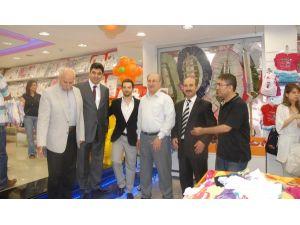 Bölgenin En Büyük Bebek Mağazası Açıldı