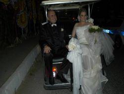 Ak Parti'nin 29 Mart Seçimlerinde Aydın Belediye Başkan Adayı Mustafa Ancın Evlendi