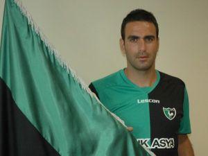 Denizlispor'da Burak Özsaraç Futbolu Bıraktı