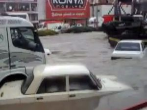 İzmirde Sel