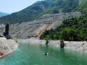 Artvinde İki Baraj Arasında Rafting Keyfi