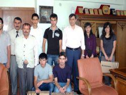 Kaymakam Başarılı Öğrencileri Ödüllendirdi - Bitlis