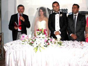 Manisalı ve Uşaklı Avukatlar Alaşehirde Düğünde Buluştu