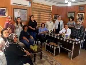 Manisa Ak Parti ESKİ Kadın Kolları Üyelerinden Çerçiye Destek