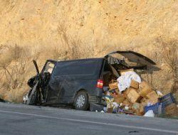 Afyonkarahisar'da Trafik Kazası: 1 Ölü, 2 Yaralı - Afyon