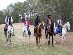 At Sırtında Evliya Çelebi'nin İzinden Gidiyorlar - Uşak