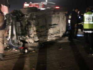 Akhisarda Trafik Kazası: 1 Ölü 2 Yaralı